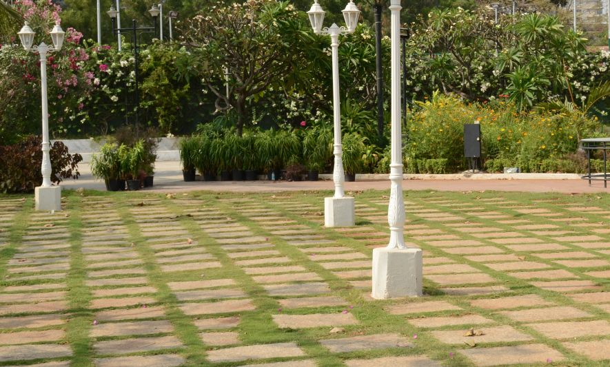 garden view is our outdoor venue attached to the garden grill restaurant it overlooks a picturesque water fountain the lush greenery around and has - Garden View